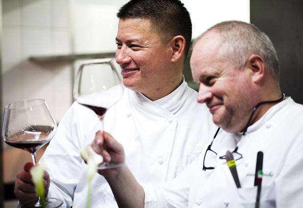 O chef australiano com o chef anfitrião Dieter Koschina