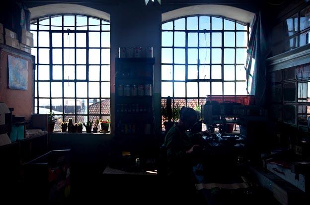 Na fábrica de lápis Viarco