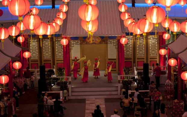 MALÁSIA. Espectáculo por crianças em Kuala Lumpur