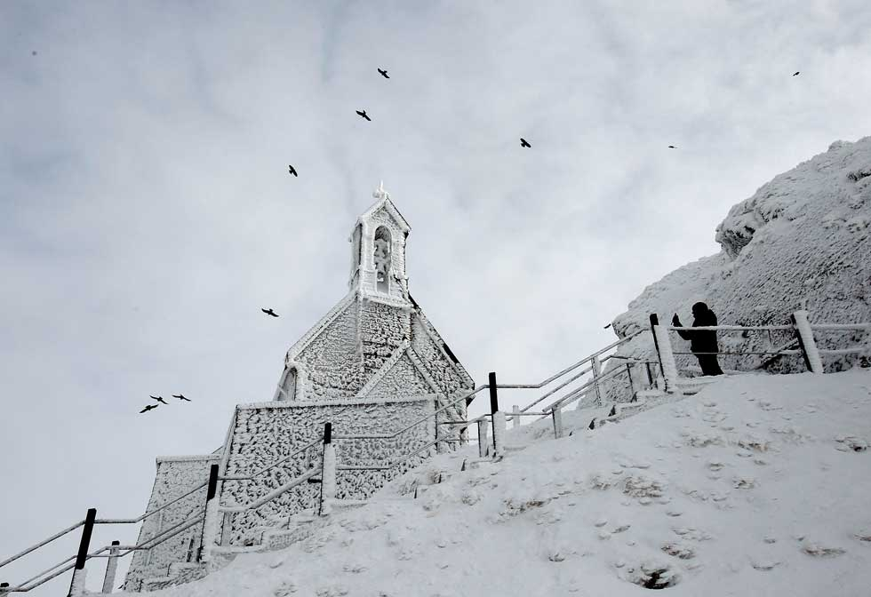 ALEMANHA. 01.02.2012. Na igreja de Wendelstein, a 1838m de altitude, na montanha Wendelstein.