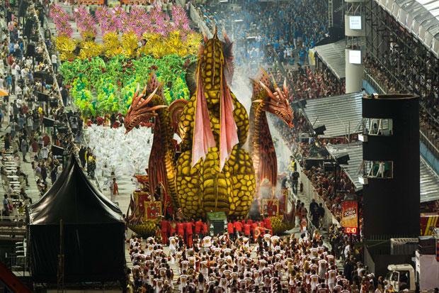 BRASIL. Escola de Samba Dragões da Real em São Paulo.