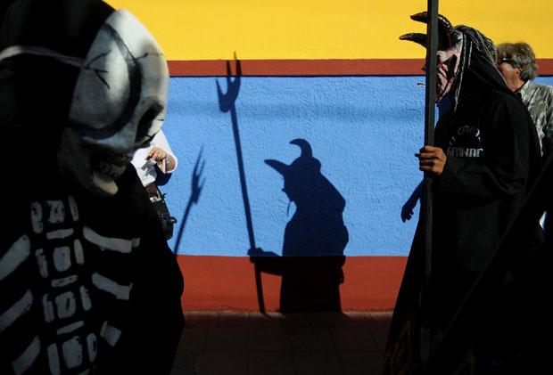 NICARÁGUA. Participantes do Carnaval Poético, parte do Festival Internacional de Poesía de Granada, a 50km de Manágua.