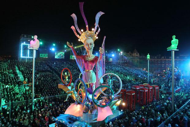 FRANÇA. Desfile de Carnaval de Nice.