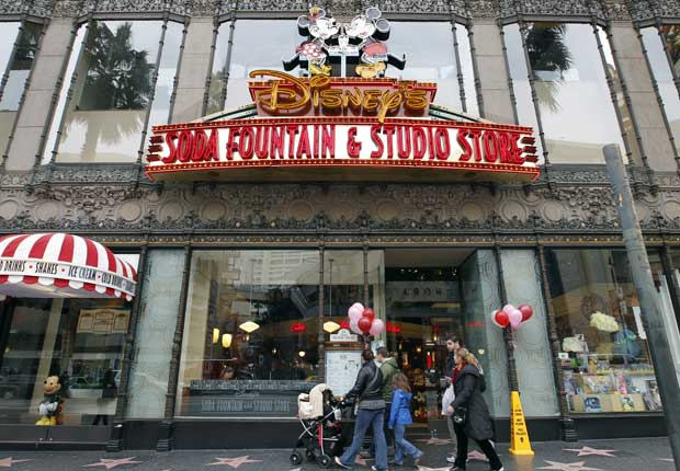 A marca da Disney na Hollywood Boulevard: Disney's Soda Fountain & Studio Store