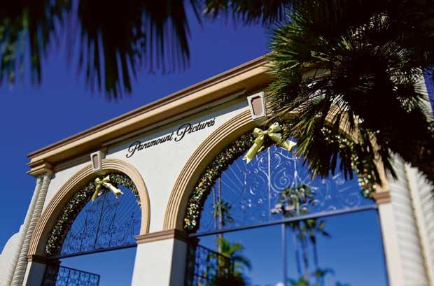 Uma entrada gloriosa: a da instituição Paramount Pictures (entrada de Melrose)