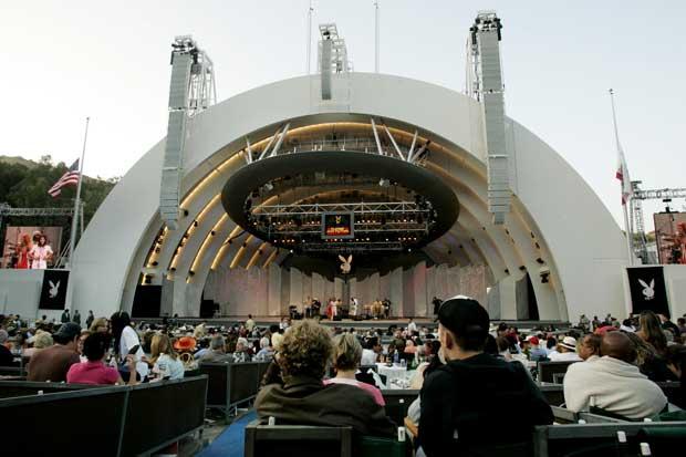 Um must: ir ao Hollywood Bowl, auditório ao ar livre esculpido na montanha. O visitante pode levar piquenique.