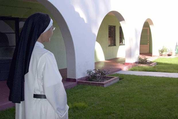 A menos de 2km do letreiro de Hollywood, símbolo de toda a fama, vivem em clausura as freiras do Convento dos Anjos - por outro lado, além de rezar, fazem sobremesas que se podem provar na loja conventual.