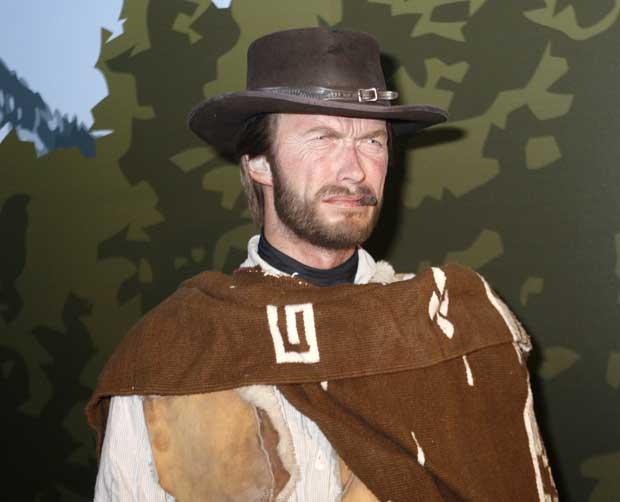 Um Clint Eastwood algo estranho e parado: é a sua figura de cera, evocativa dos tempos de cowboy, vista no museu Madame Tussauds de Hollywood