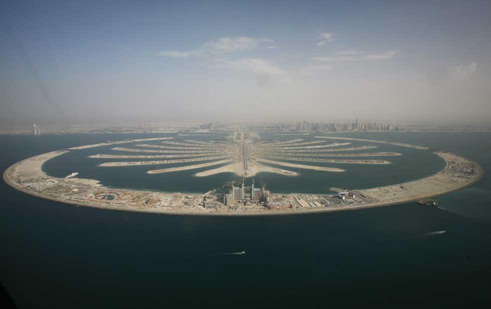 Vista aérea de uma das ilhas-palmeira du Dubai