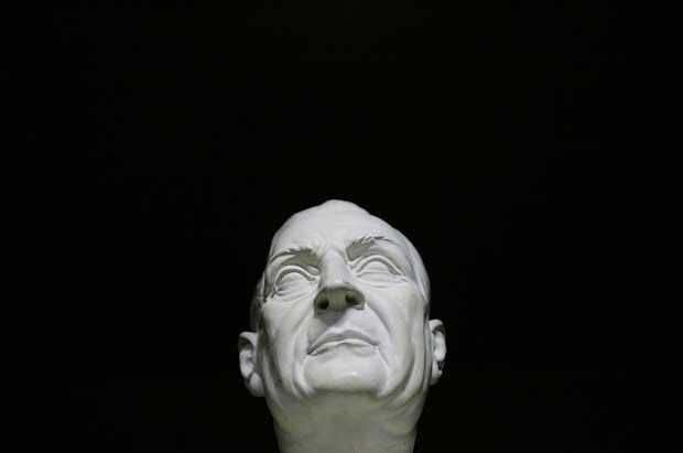 Busto de Salazar criado pelo escultor David Oliveira de Santa Comba Dão e fotografado em 2007