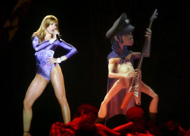 Numa actuação nos Grammy Awards em Los Angeles - Fevereiro de 2006