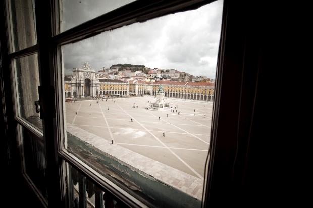 As esplanadas só deverão abrir em 2013