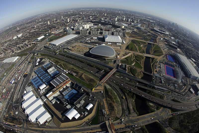 REINO UNIDO, 27.03.2012. O Parque Olímpico de Londres, visto do céu, através de uma lente olho-de-peixe.
