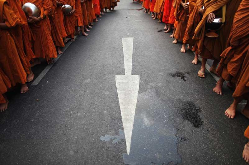 TAILÂNDIA, 24.03.2012. Na Chinatown de Banguecoque, durante uma cerimónia em que participaram dezenas de milhares de monges budistas.