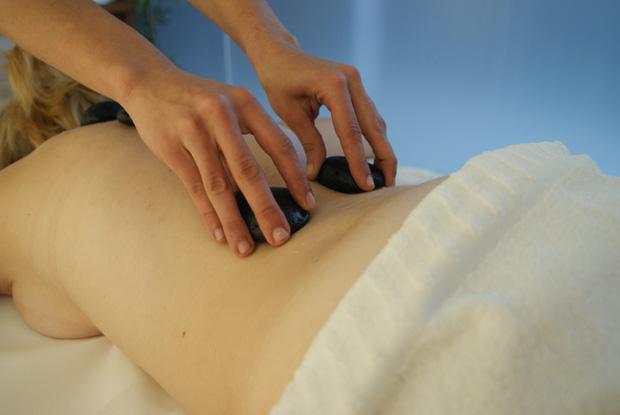 seixos que rolam sobre a pele, massagens nos açores