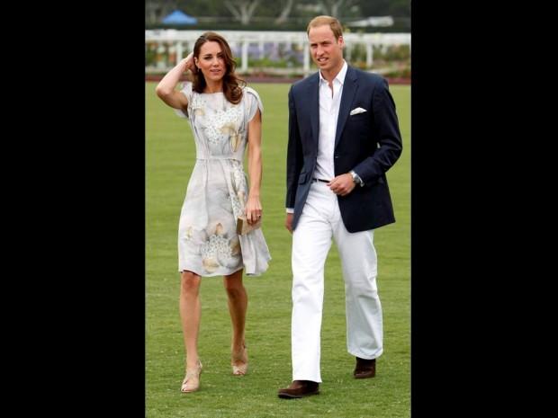 Julho de 2011 – O príncipe William e Catherine no Santa Barbara Polo and Racquet Club para um evento de solidariedade, na Califórnia