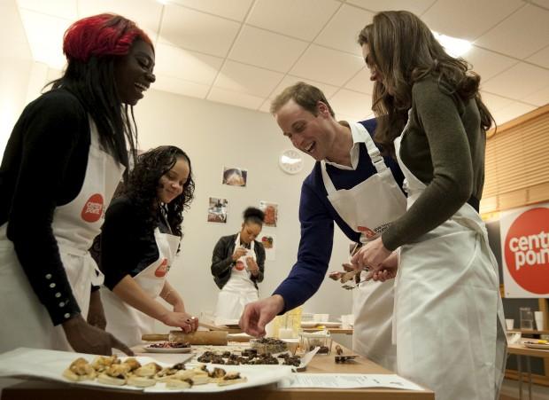 Dezembro de 2011 – Numa sessão de healthy living cookery no Centrepoint's Camberwell Foyer, em Londres