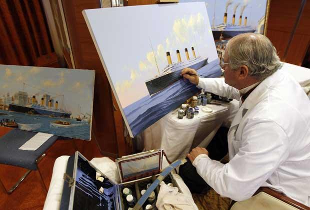 Durante o cruzeiro, o artista americano James Allen Flood pintou quadros do verdadeiro Titanic