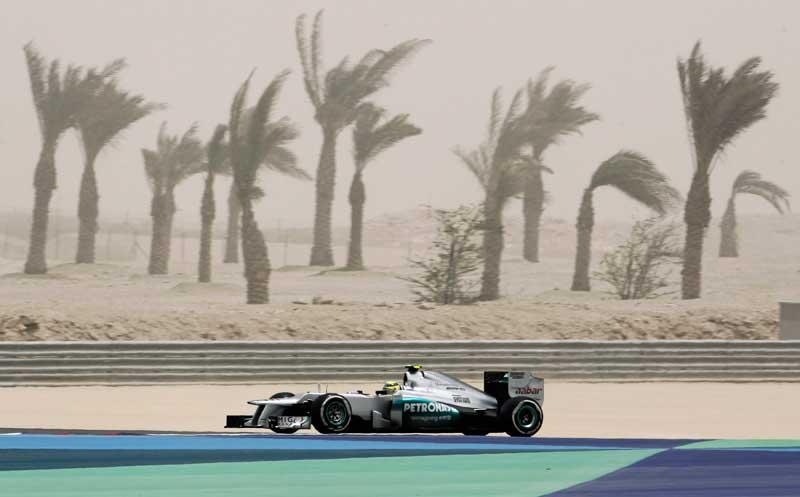 BAHREIN, 21.04.2012. As palmeiras da F1. Durante uma sessão de treinos para o Grande Prémio do Bahrein em Manama