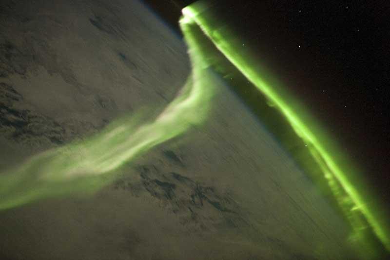 Aurora austral numa imagem captada, a partir da Estação Espacial Internacional, durante uma tempestade geomagnética (29.05.2010)