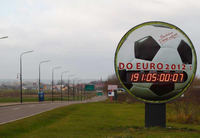 Uma contagem decrescente para o Euro, vista em Gniewino, Polónia