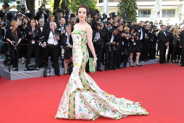 A actriz e modelo chinesa Fan Bingbing num vestido de Christopher Bu