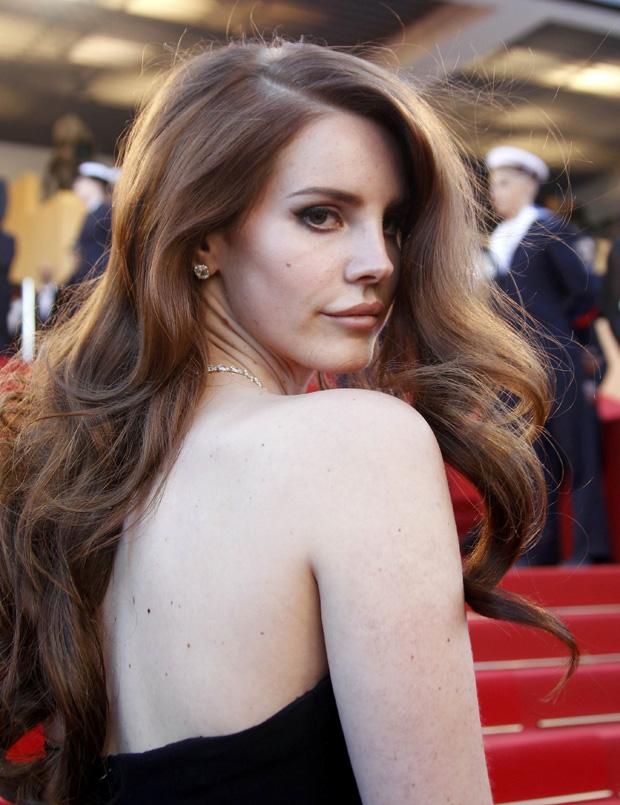 Foi a primeira vez que Lana Del Rey pisou a passadeira vermelha de Cannes