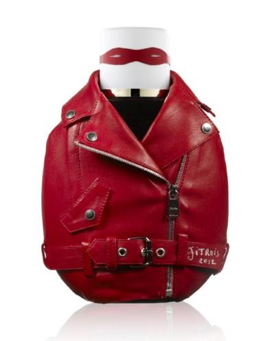 Jean-Claude Jitrois é o fundador da marca de moda Jitrois, conhecida pelas suas propostas de pronto-a-vestir em couro e peles