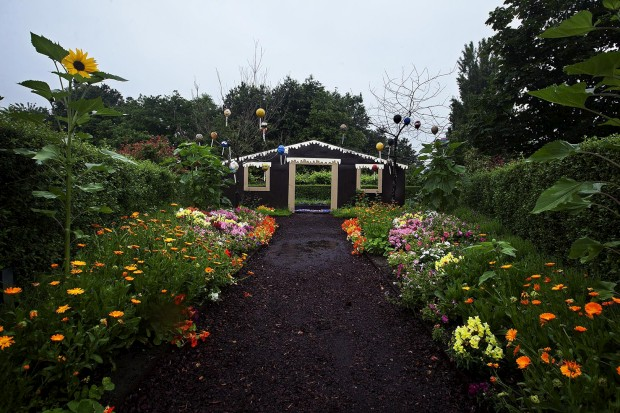 Jardim A Fachada