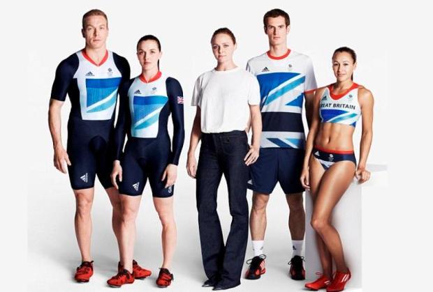 Stella McCarteney, em colaboração com a Adidas, para a comitiva britânica