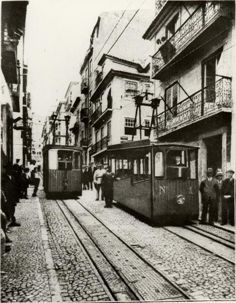 (1926)