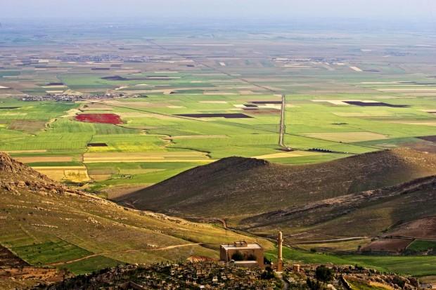 Mardin no Curdistão turco com vista para os campos férteis da Mesopotâmia, terra de ajustes de contas sangrentos entre famílias.