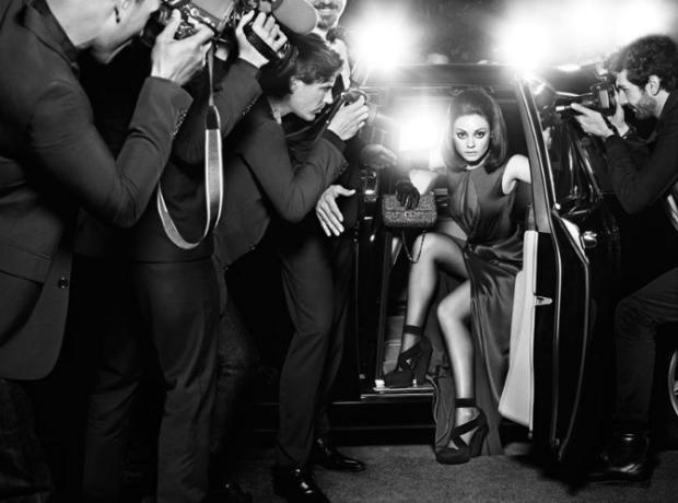 Mila Kunis para a coleção de malas Miss Dior