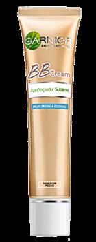 """BB Cream Peles Mistas e Oleosas. Textura """"oil free"""" para um efeito matificante anti-brilho e redução dos poros, graças a um mineral extraído de rocha vulcânica capaz de absorver 2,5 vezes o seu peso em humidade."""