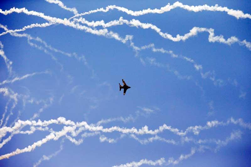 SÉRVIA, 02.09.2012. Exibições durante um festival aéreo em Belgrado