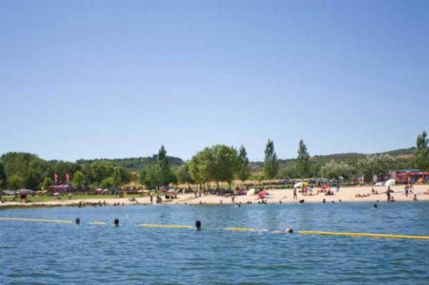 Praias de Albufeiras e Lagoas: Ribeira – Albufeira do Azibo (Praias de Albufeiras e Lagoas), Macedo de Cavaleiros, Bragança, Trás-os-Montes e Alto Douro