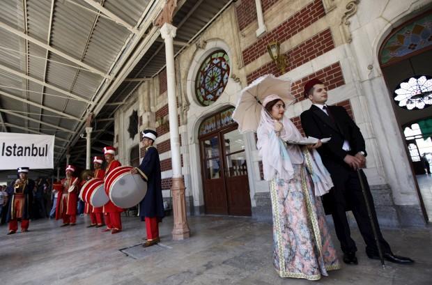 Recepção ao comboio em Istambul