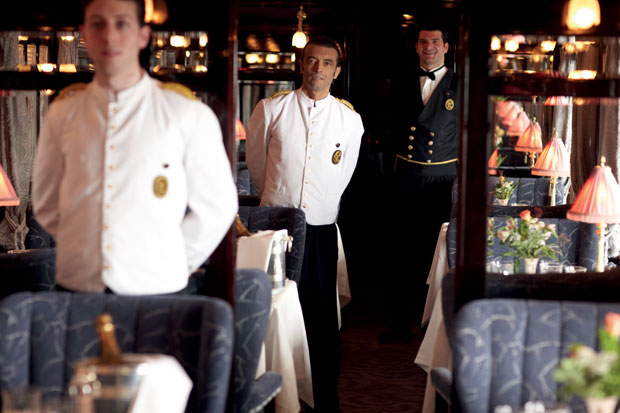 Dentro do Venice Simplon-Orient-Express