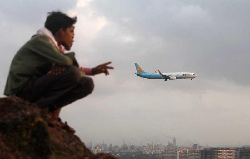 ÍNDIA, 17/09/2012. Em Mumbai (Bombaim), observando o aeroporto internacional de Chhatrapati Shivaji