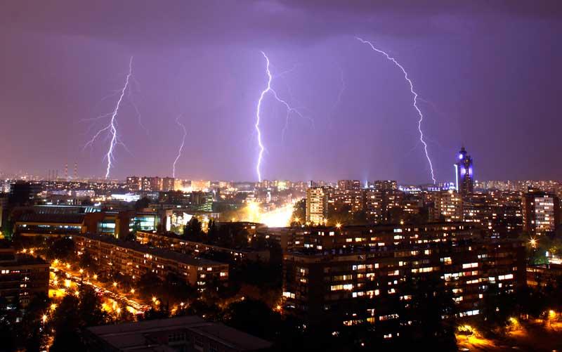 SÉRVIA, 19/09/2012. Tempestade sobre Belgrado