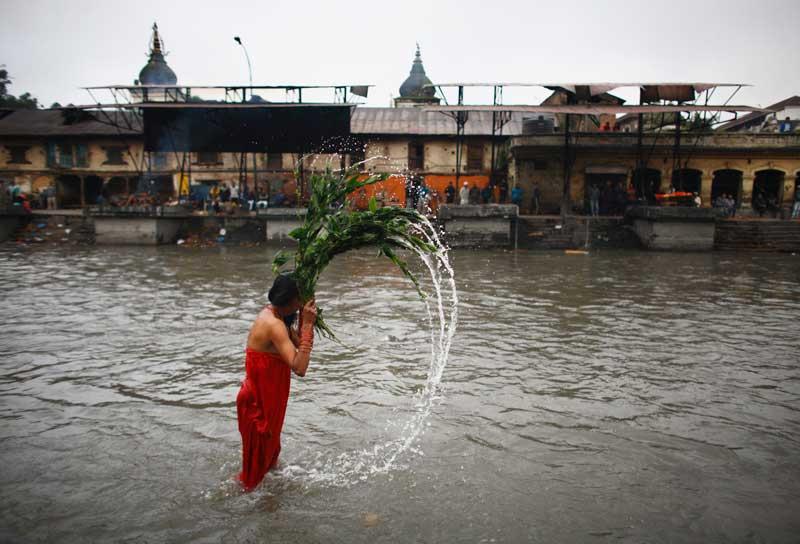 NEPAL, 20/09/2012. Uma mulher