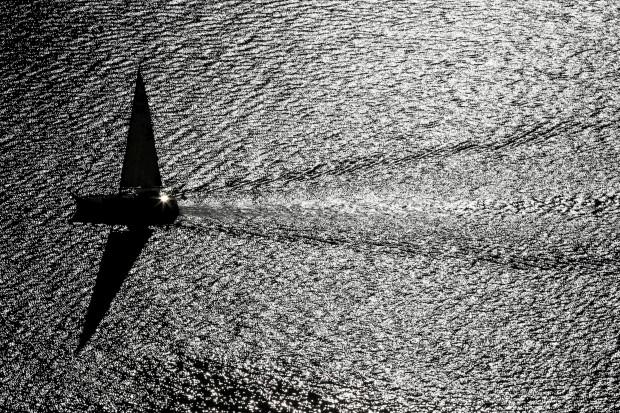SUÍÇA, 5.10.2012. No lago Léman, durante um quente dia de Outono em Chexbres