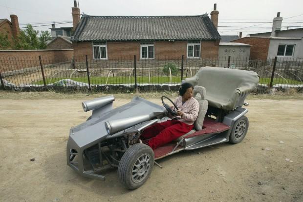 Um carro de (pequenas) corridas caseiro. Este