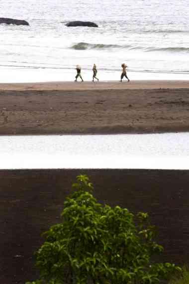 Praia dos Angolares em São Tomé