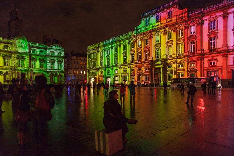 FRANÇA, 5.12.2012. Um momento do festival das luzes de Lyon