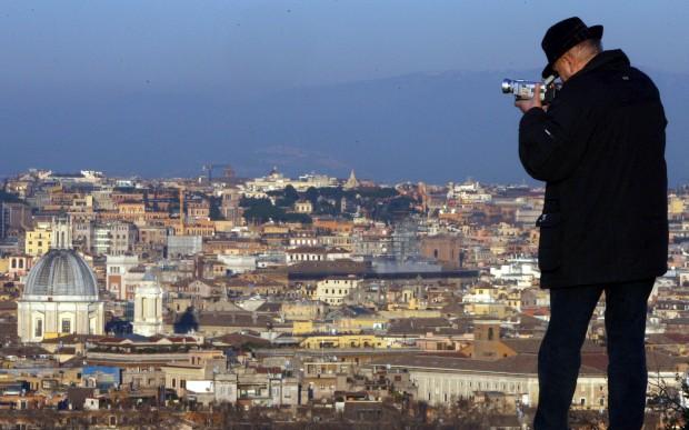 A filmar uma panorâmica de Roma (a partir do parque Gianicolo)