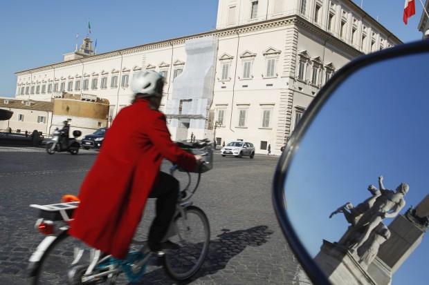 A pedalar perto do Palácio Quirinale