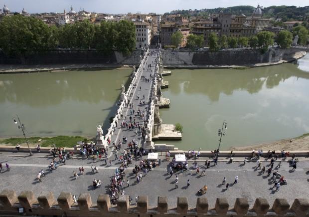 Ponte Sant'Angelo no rio Tibre