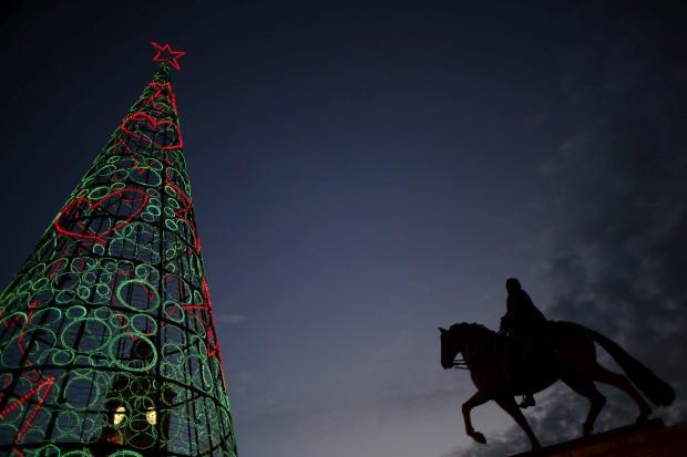 Em Madrid, a árvore de Natal na Puerta del Sol
