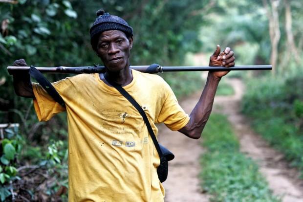 Guia de viagens pelas florestas do sul da Guiné-Bissau, antigo combatente ao lado dos portugueses na guerra colonial